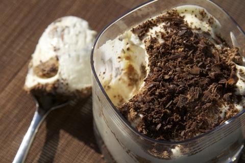 Recette tiramisu au chocolat recettes tiramissu tiramissou chocolat chocolat noir - Recette tiramisu au chocolat ...